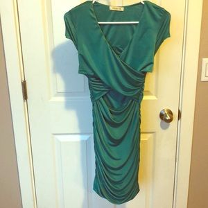 Emerald Green fitted holiday dress 🎄
